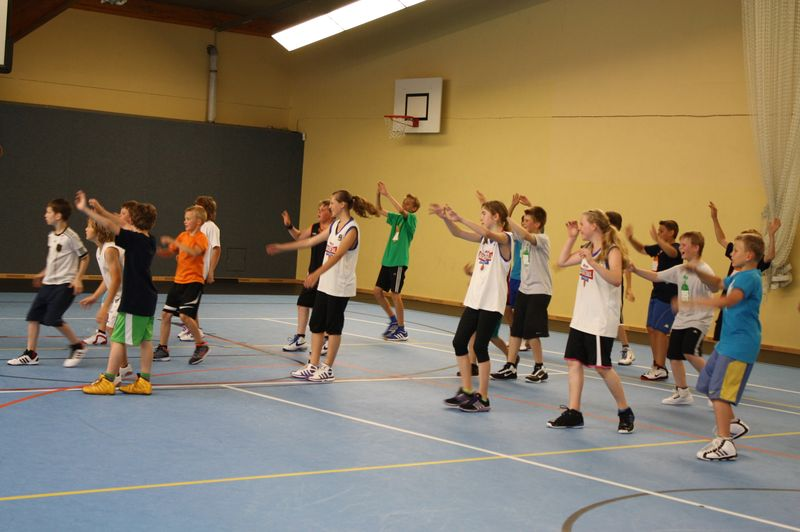 CampI-Tag3-Baskteball-Sommer-Camp (11)