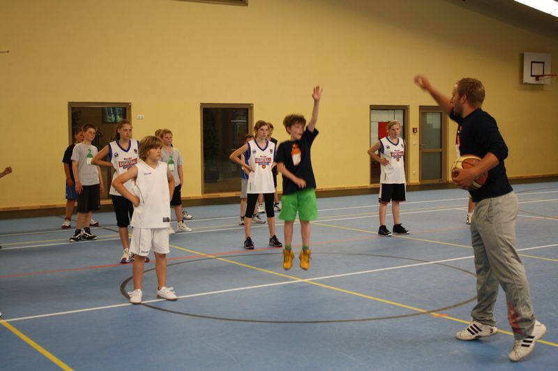 CampI-Tag3-Baskteball-Sommer-Camp (14)