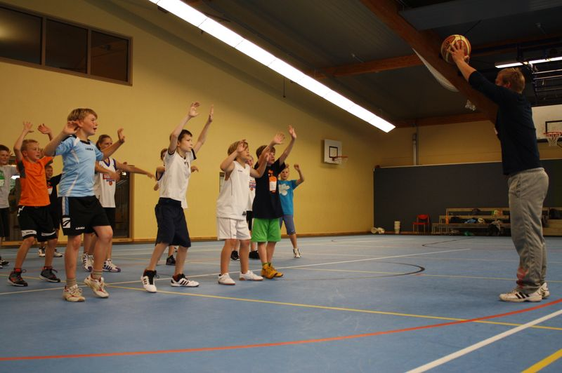 CampI-Tag3-Baskteball-Sommer-Camp (16)